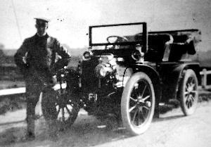 """1904年英国核发的车牌""""F1"""",2008年拍卖出87万美元"""